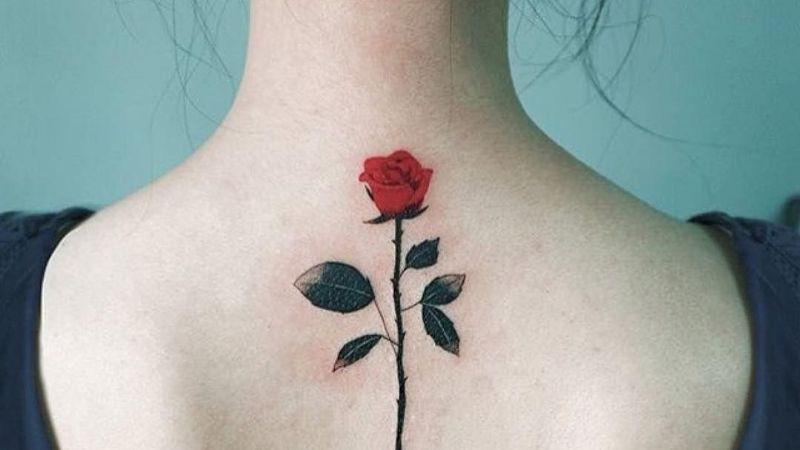 Lleva la belleza de las flores con estos hermosos y elegantes tatuajes de rosas