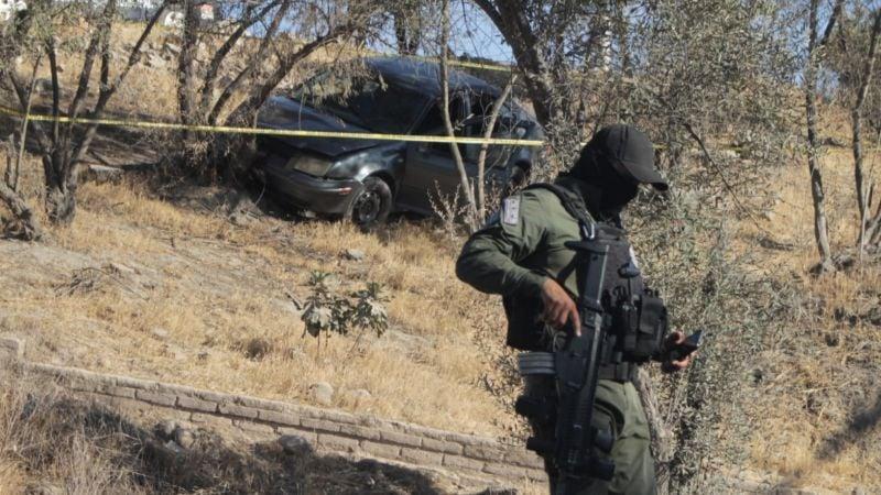 A sangre fría: Emboscan y acribillan a policías en Tijuana; sicarios caen a barranco al huir