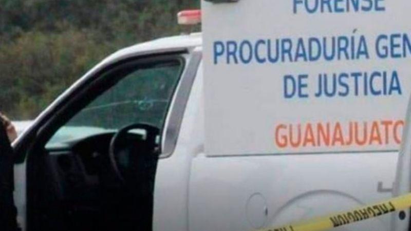 Tiran un cadáver sobre un camino de terracería en Guanajuato; los vecinos lo encontraron