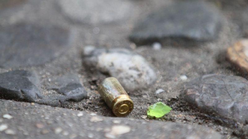 Mexicali: A sangre fría, 'El Corico' irrumpe a tiros en casa, acribilla a Crispín y ejecuta a Ramona