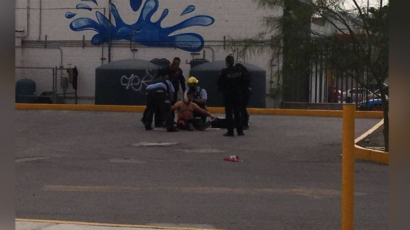 Salvaje ataque: Maleantes le destrozan la mandíbula a un vendedor de burritos de un balazo