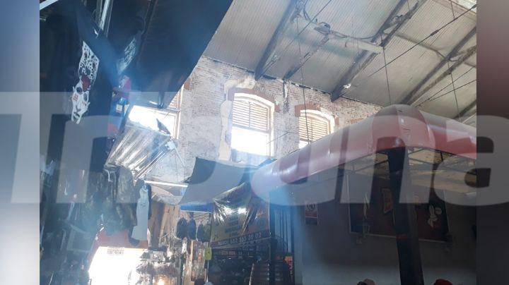 Guaymas: Techo en el Mercado Municipal en riesgo de colapsar; poco a poco se cae