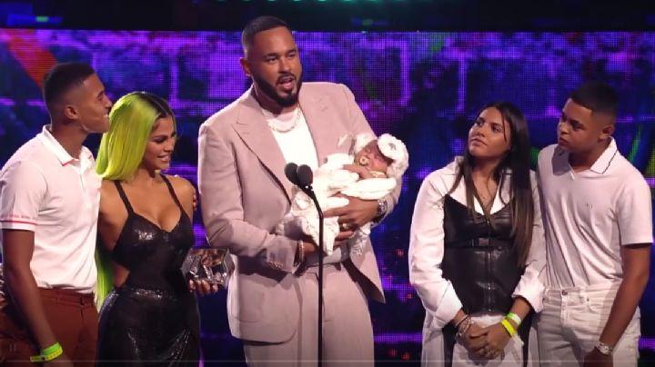 Vida Isabelle, la hija de Natti Natasha y Raphy Pina conquista el escenario de Premios Juventud