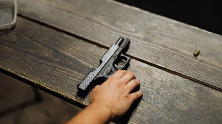 FUERTES IMÁGENES: Gatilleros ultiman a Sergio en una tienda; así quedó su cuerpo en la banqueta