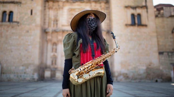 Colectivo feminista mixteca, en contra de Badabun por clip en favor de agresor de saxofonista