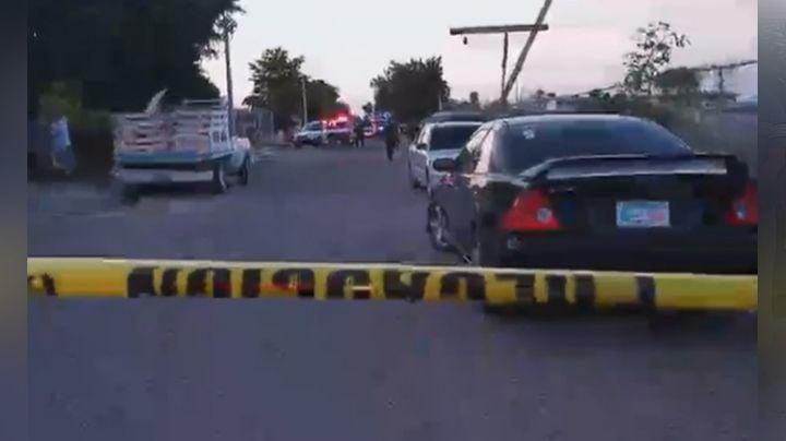 Caos en Cajeme: 'Motosicarios' hieren a tiros a un joven; se pudo refugiar en un domicilio