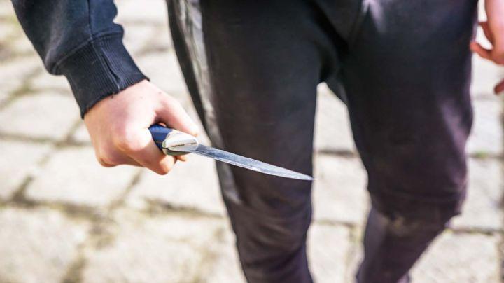 Atroz crimen: Una mujer es brutalmente golpeada y apuñalada en un baldío por Cristian