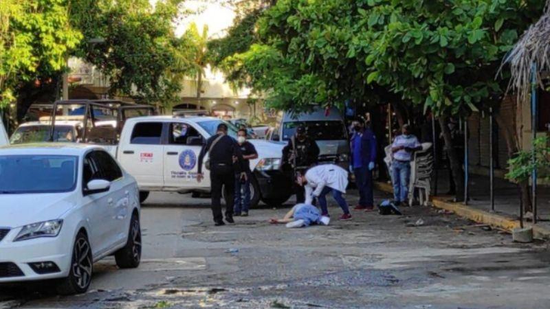 Asesinan a un hombre a tiros; su cuerpo quedó tendido a un costado de su automóvil