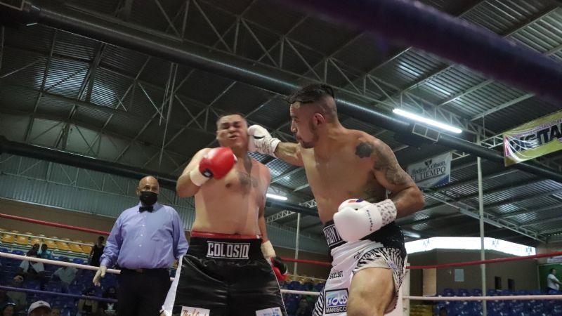 Función de grandes guerras arriba del ring se vivieron en el Palenque de la Expo de Ciudad Obregón