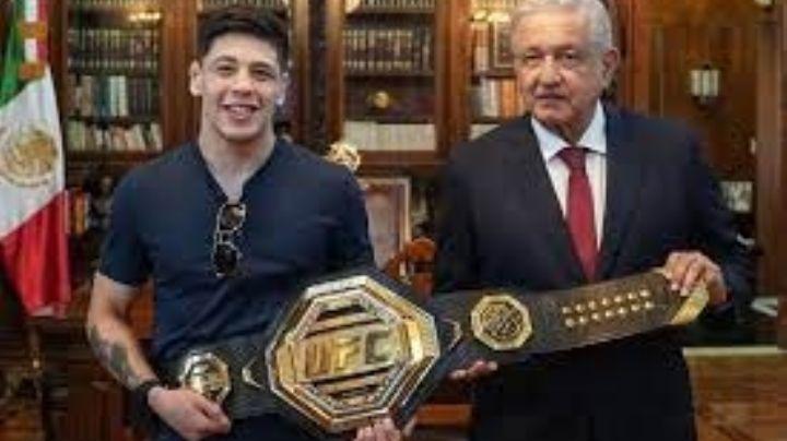 El primer campeón mexicano de la UFC Brandon Moreno visita al presidente López Obrador