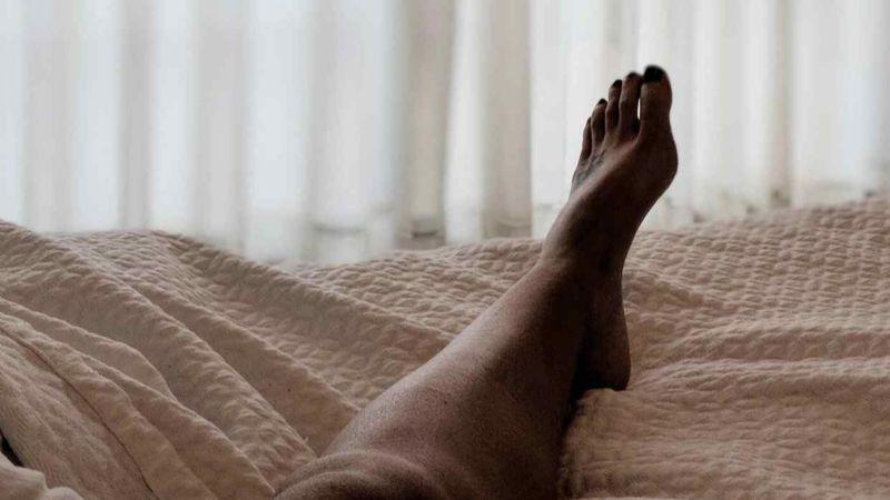 Acabó muerta: Hallan degollada a Alma en su cama tras discutir con su novio; él dice que se suicidó