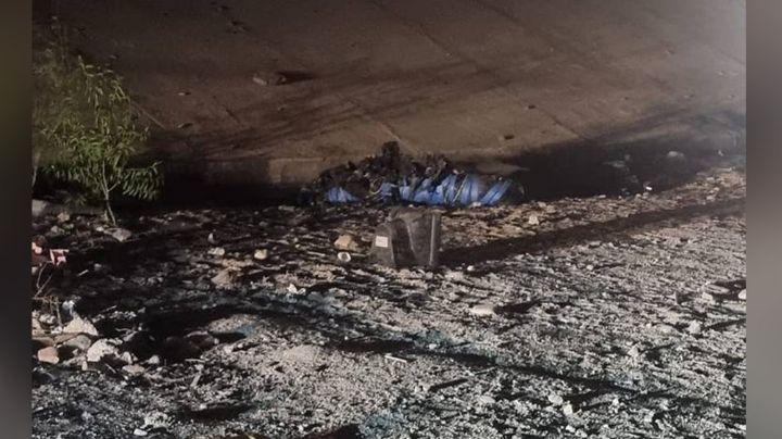 De bajo de un puente, localizan el cadáver embolsado de una persona en La Paz
