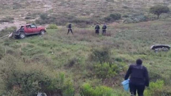 Dos menores de edad muertos y dos heridos fue el saldo de una volcadura de camioneta
