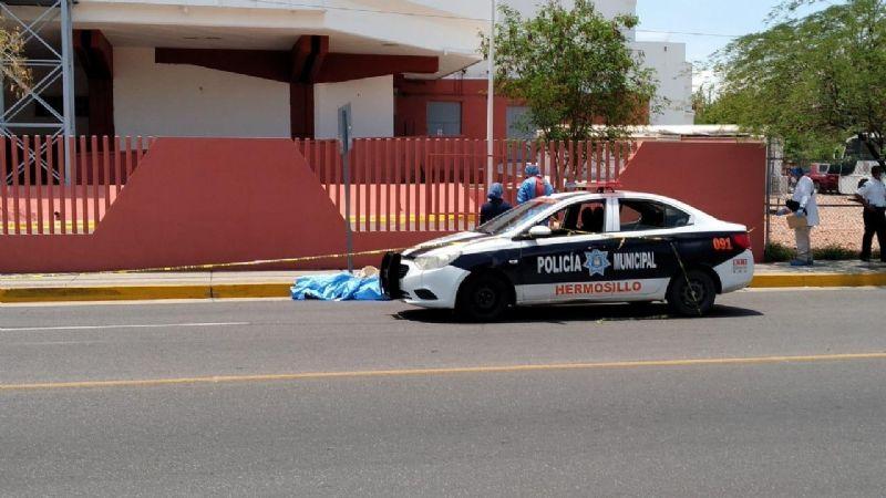 Hermosillo: Muere atropellado por un auto un 'abuelito'; quedó tendido sobre el pavimento