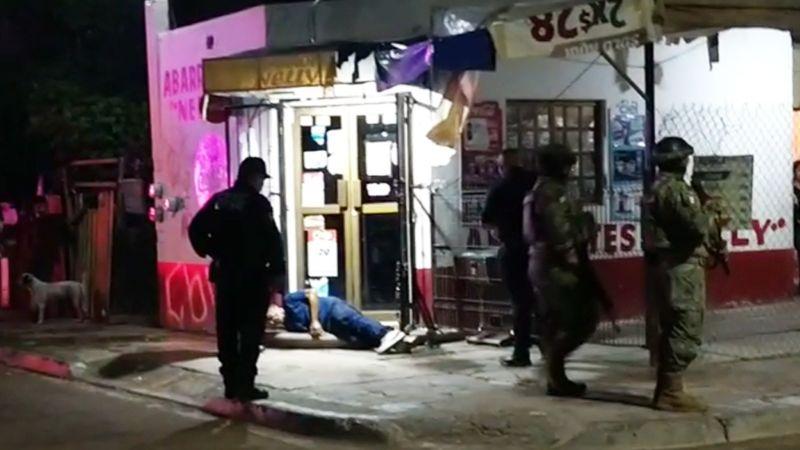 Violencia en Ciudad Obregón: Pistoleros acribillan a sujeto frente a tienda de abarrotes