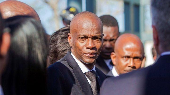 FOTOS: Policía de Haití escolta a los sospechosos detenidos por el asesinato del presidente