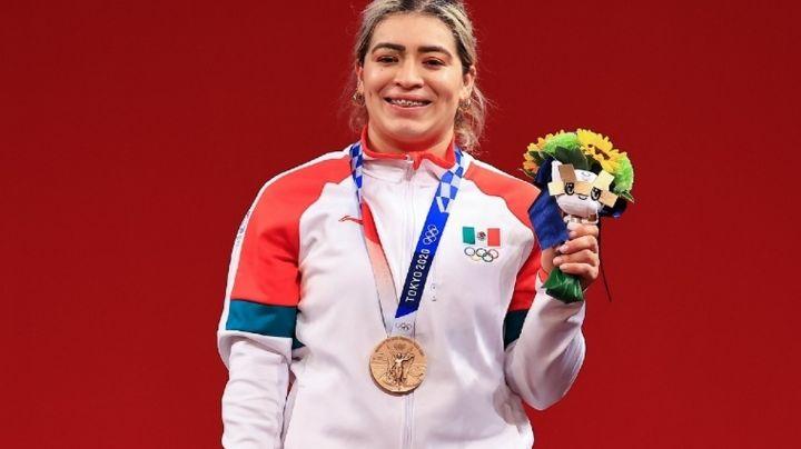 ¡Medalla para México! Aremi Fuentes gana presea de bronce en halterofilia femenil de Tokio 2020