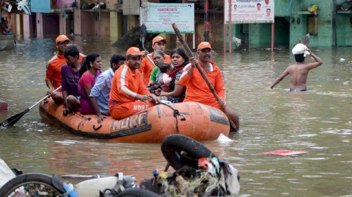 Cientos de personas abandonan sus hogares por temor a morir ahogados; se desborda este famoso río