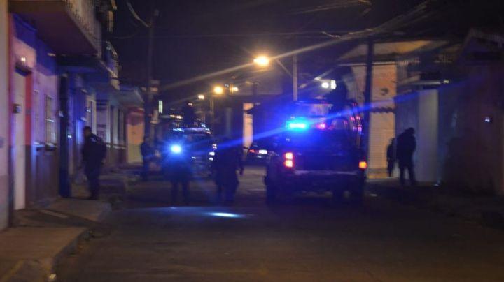 Pánico en Michoacán: Sicarios abandonan en plena vía pública el cuerpo de una persona; estaba encobijada