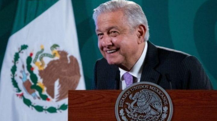 En plena tercera ola del Covid-19, AMLO celebra regreso a clases presenciales en todo México