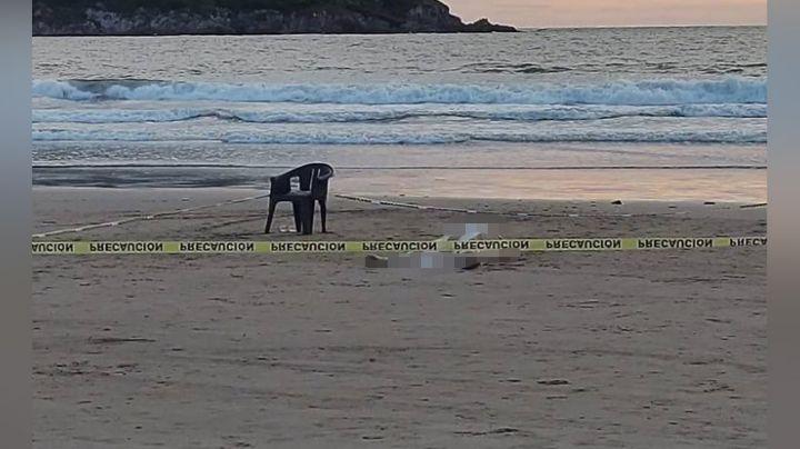 Por nadar en una zona peligrosa, turista muere al ser arrastrado por las olas de Mazatlán