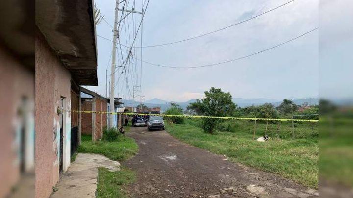 Tras riña, joven pierde la vida al ser atacado a machetazos en calles de Michoacán