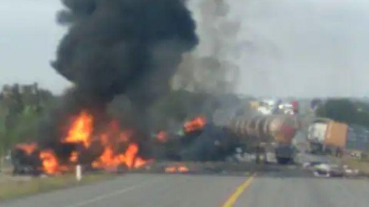 Brutal choque en carretera San Luis-Lagos de Moreno: Chofer de una pipa muere prensado y calcinado