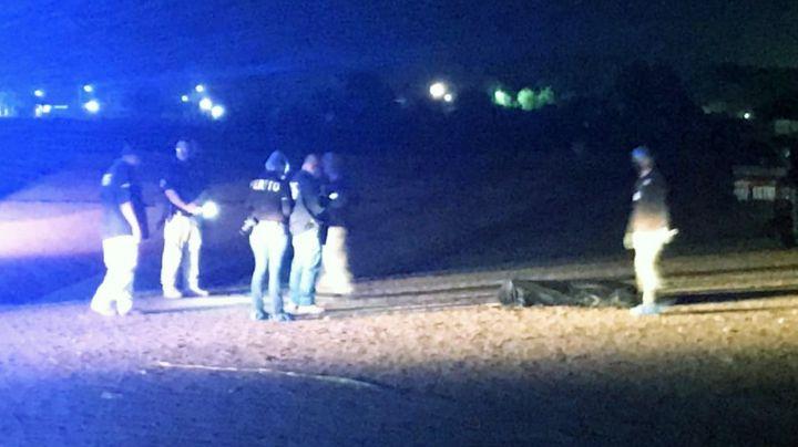 Cajeme: Sicarios ejecutan a sujeto en medio de campo de futbol y se dan a la fuga