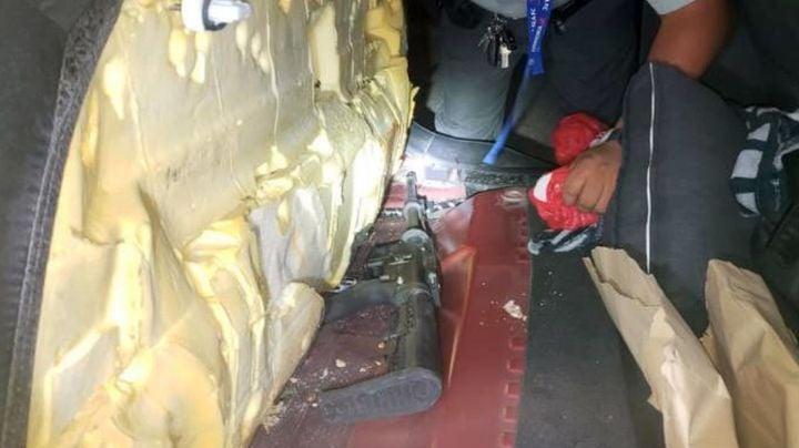 Nogales: Lo descubren al intentar contrabandear armamento oculto en carrocería de auto