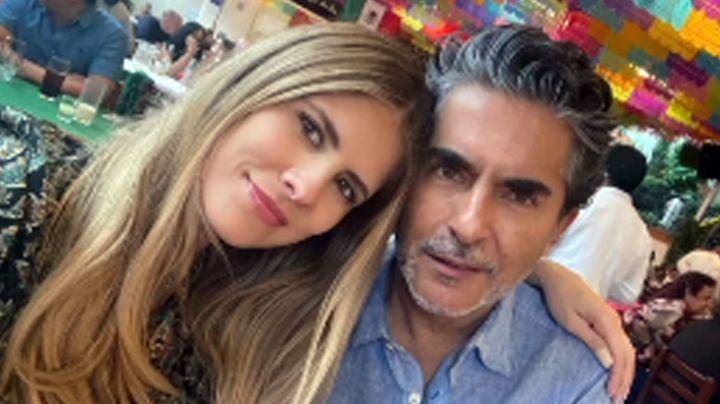 """Acusan a Raúl Araiza de ser el """"sugar daddy"""" de su joven novia; así respondió el conductor"""