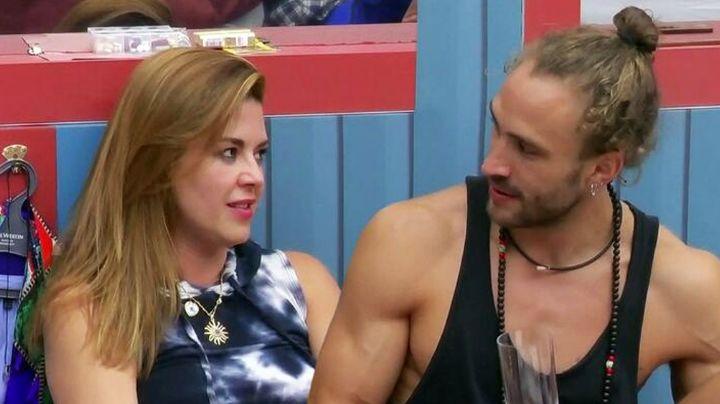¡Se acabó el amor! Roberto Romano desprecia a Alicia Machado y se mete al jacuzzi con un hombre
