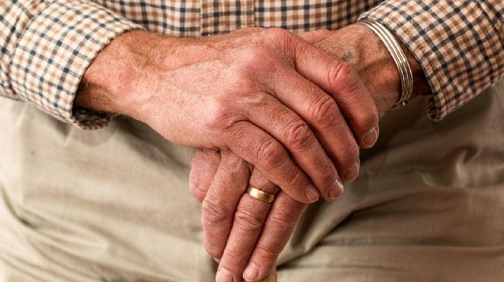Sujeto de 78 años golpea fatalmente a su vecino porque hacía mucho ruido al cortar el pasto