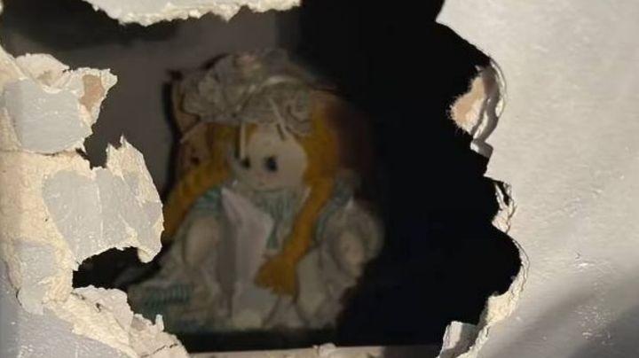 ¡De película! Se muda a nuevo hogar y una muñeca lo recibe con tenebroso mensaje