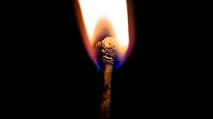 ¡Macabro hallazgo! Localizan 3 cuerpos en un basurero en llamas; dos de ellos son menores