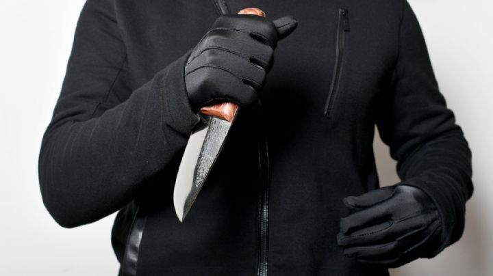 Un 'abuelito' es detenido por atacar con un cuchillo a un empleado; quería robar una tienda