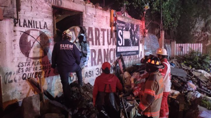 FOTOS: Fuertes lluvias provocan caos en Edomex; uno queda atrapado tras derrumbe de vivienda