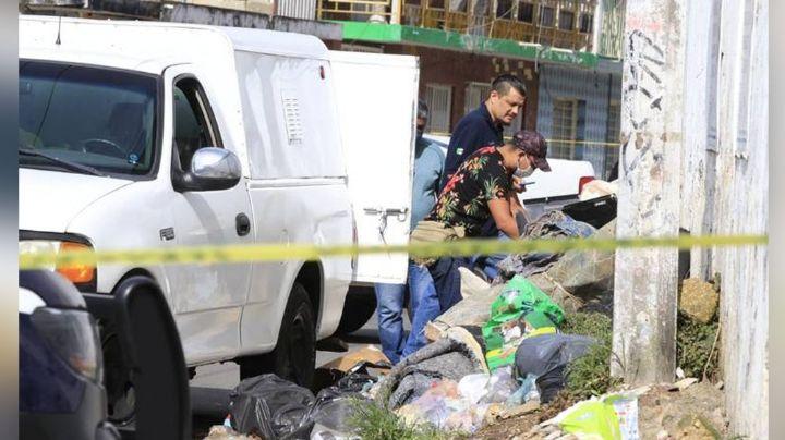 Desagradable hallazgo: Abandonan al interior de un tambo el cuerpo de un hombre; estaba en la basura