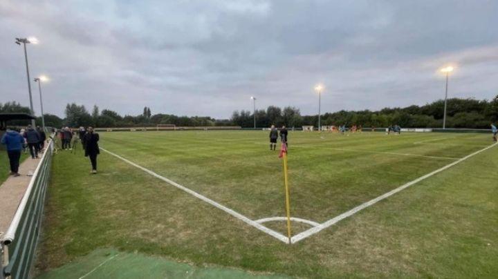 Tragedia en el futbol: Joven de 17 años muere por un paro cardiaco durante un partido
